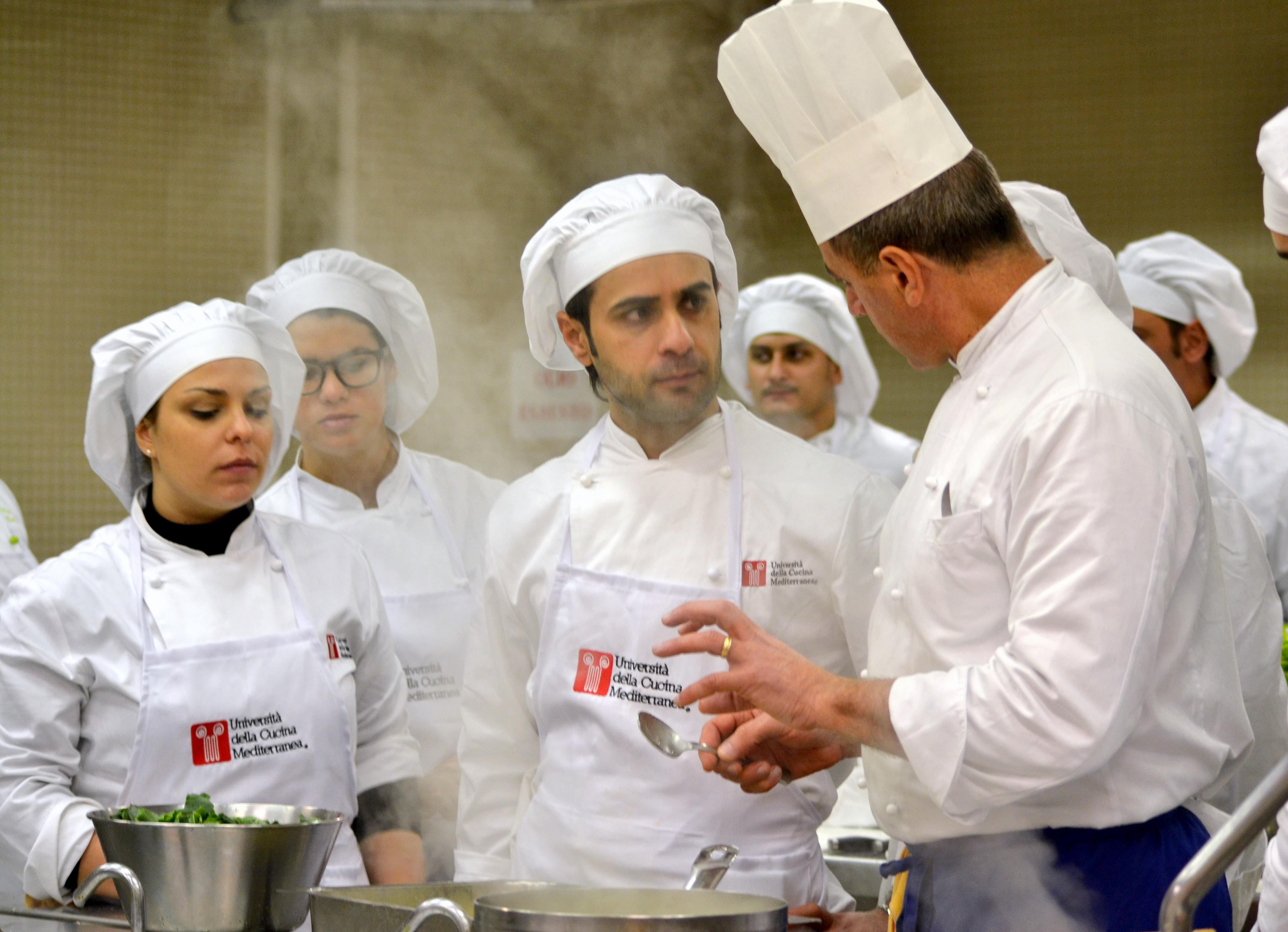 Corso di professione cuoco università della cucina mediterranea